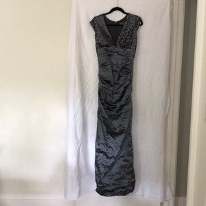 Nicole Miller Platinum/Silver Formal Dress